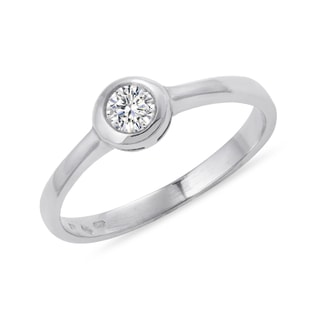 DIAMOND RING IN WHITE GOLD - SOLITAIRE ENGAGEMENT RINGS - ENGAGEMENT RINGS