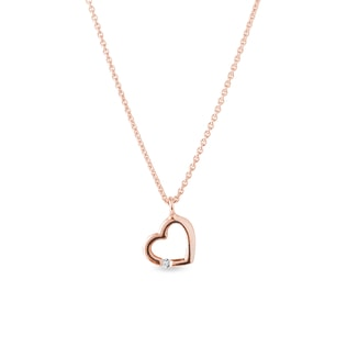 Diamond heart pendant in pink gold