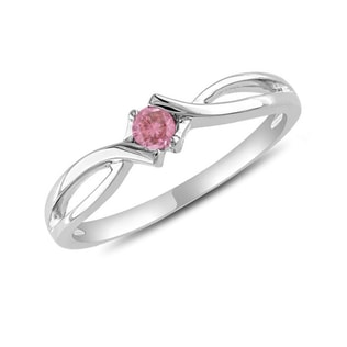 Pink diamond engagement ring in 14kt gold