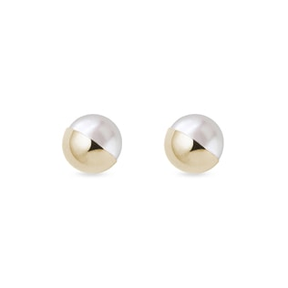 Freshwater pearl earrings in yellow gold