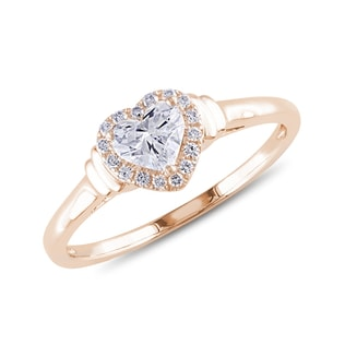 Diamond heart engagement ring in rose gold