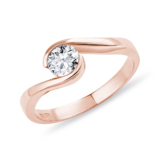 ROSE GOLD ENGAGEMENT RING WITH A DIAMOND - SOLITAIRE ENGAGEMENT RINGS - ENGAGEMENT RINGS