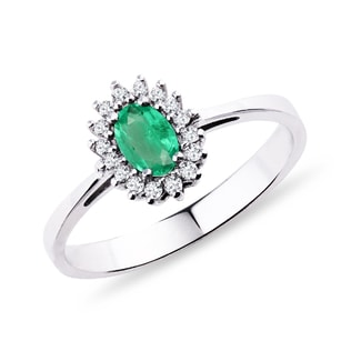 RING WITH AN EMERALD AND DIAMONDS - EMERALD RINGS - RINGS