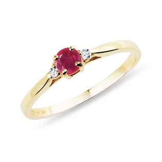 GOLD RING WITH RUBY ​​AND DIAMONDS - YELLOW GOLD RINGS - RINGS