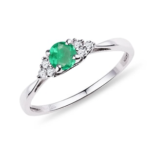 GOLD RING WITH AN EMERALD AND DIAMONDS - EMERALD RINGS - RINGS