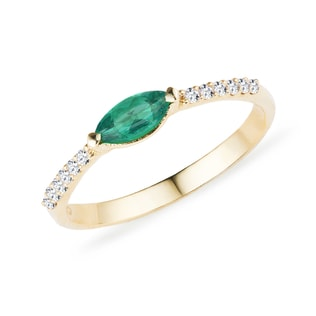EMERALD RING WITH DIAMONDS IN YELLOW GOLD - EMERALD RINGS - RINGS