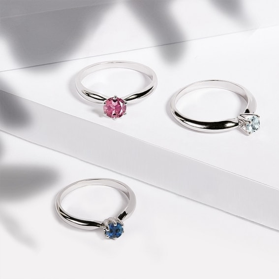 Discover a New Trend: Engagement Rings with Gemstones
