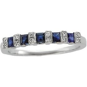 White gold ring with sapphires and diamonds - Sapphire rings