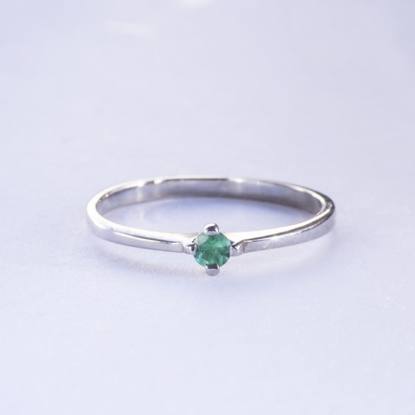 GOLD RING WITH EMERALD - WHITE GOLD RINGS - RINGS