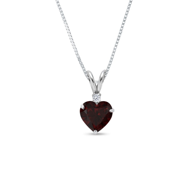 Silver pendant with a garnet and a diamond