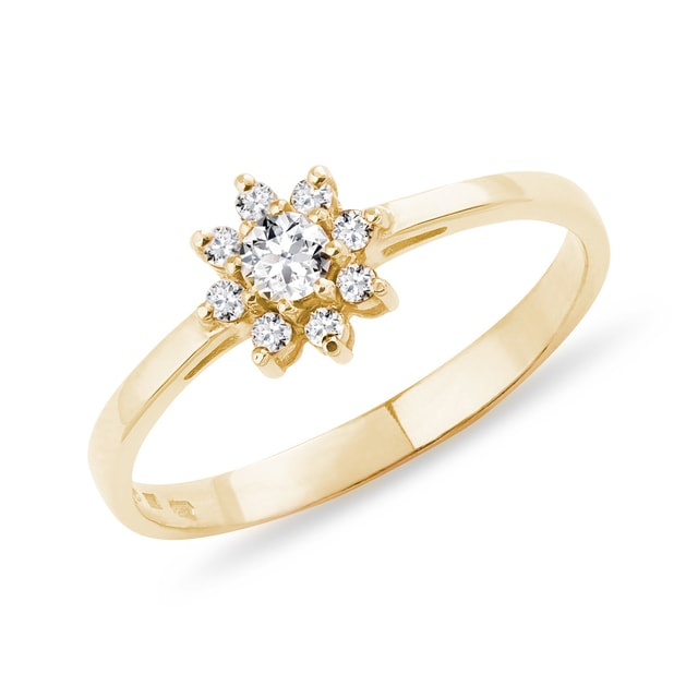 Flower-shaped diamond ring