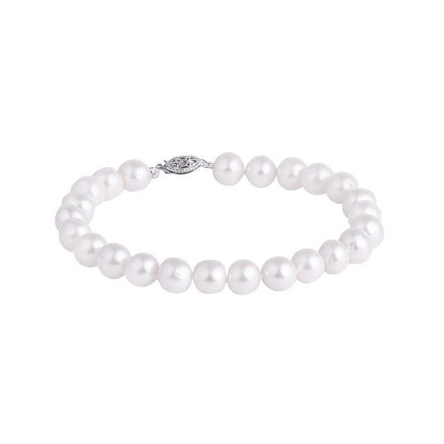 Freshwater pearl bracelet with a silver clasp