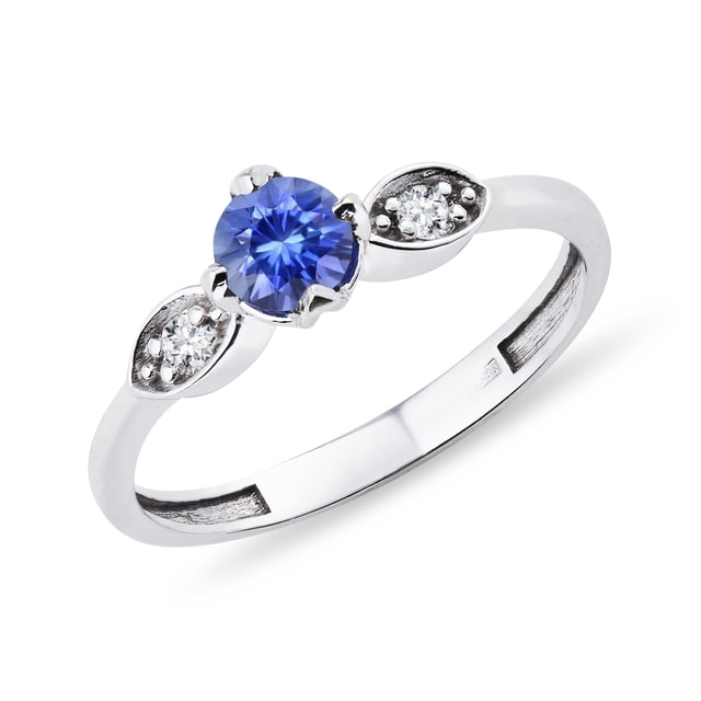 GOLD RING WITH SAPPHIRE AND DIAMONDS - SAPPHIRE RINGS - RINGS