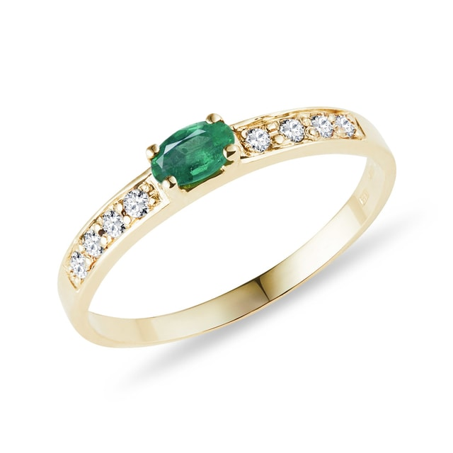Emerald and diamond 14kt gold ring