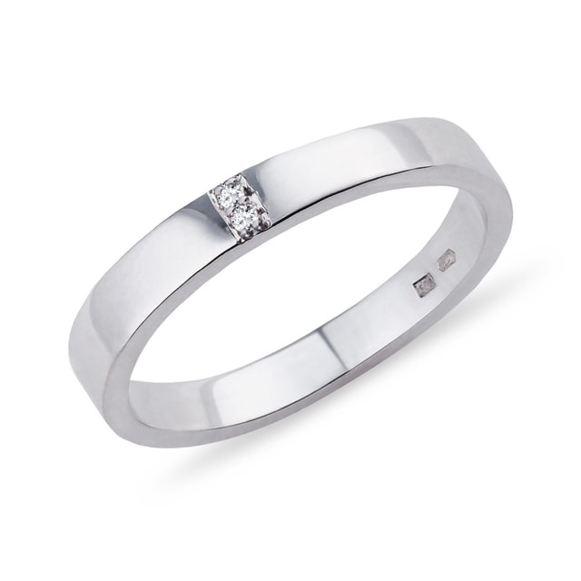 Diamond ring in silver