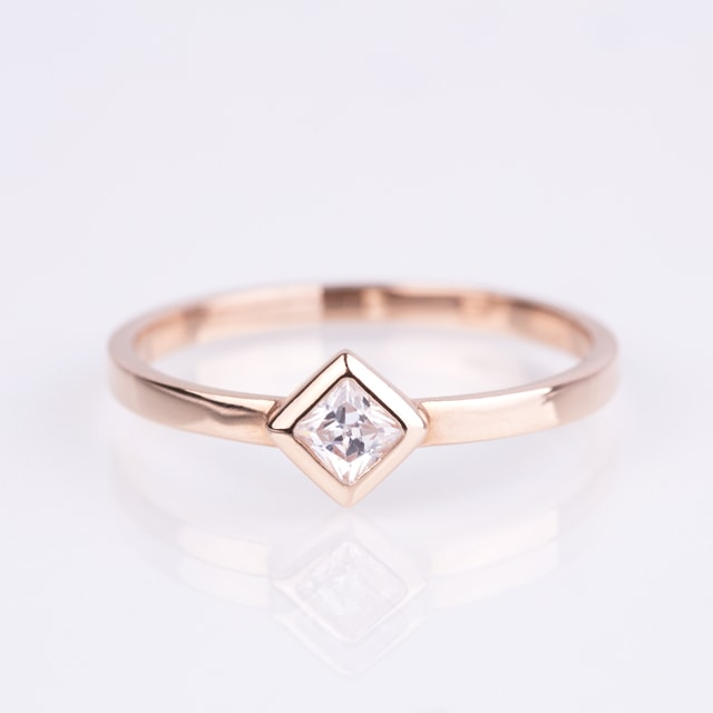 DIAMOND RING IN 14KT ROSE GOLD - DIAMOND RINGS - RINGS
