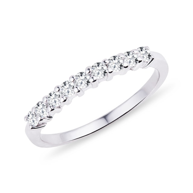 Ring with diamonds in white gold