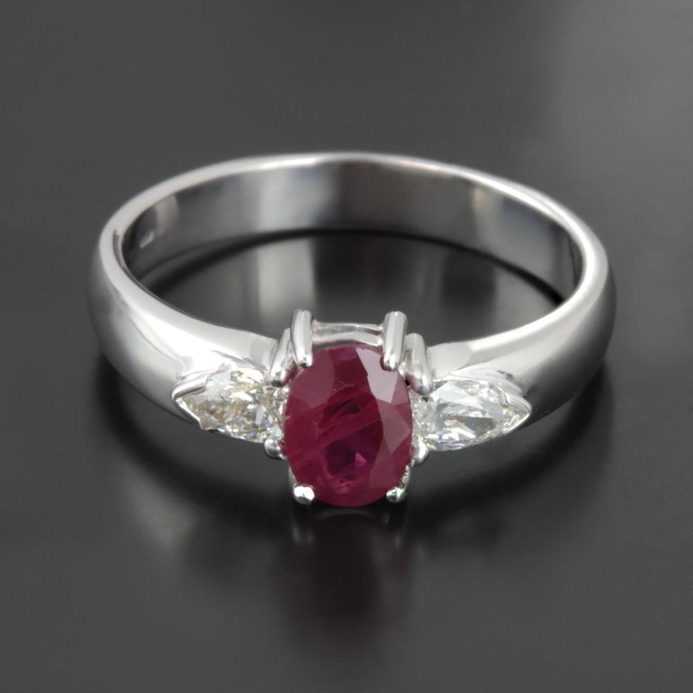 klenota bague en rubis et diamants bagues en rubis bijoux en ligne. Black Bedroom Furniture Sets. Home Design Ideas