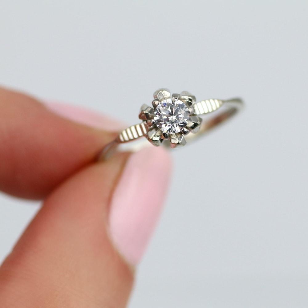 klenota gold verlobungsring mit diamanten verlobungsringe mit diamant. Black Bedroom Furniture Sets. Home Design Ideas