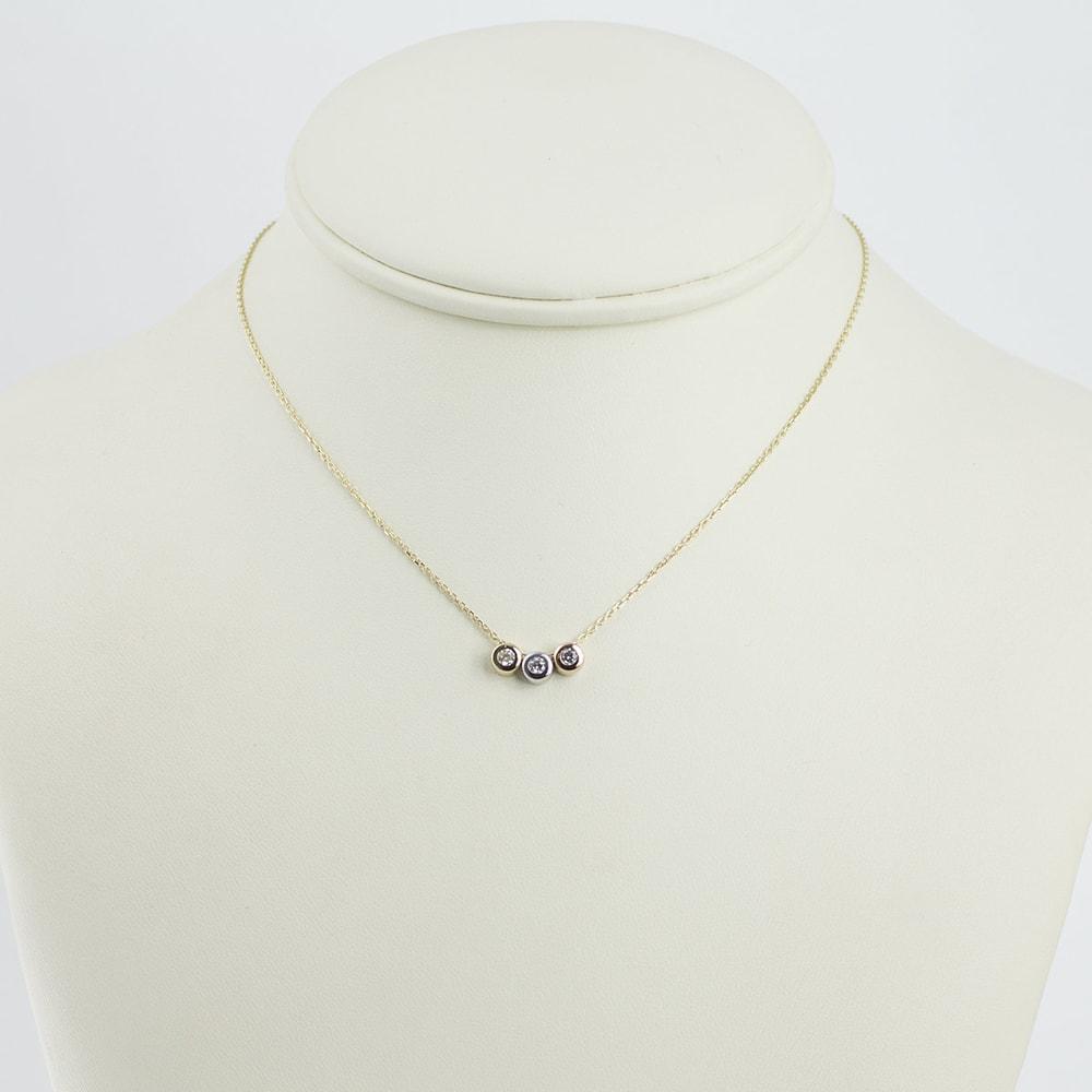 klenota collier en or avec trois diamants bijoux en or jaune bijoux en ligne. Black Bedroom Furniture Sets. Home Design Ideas