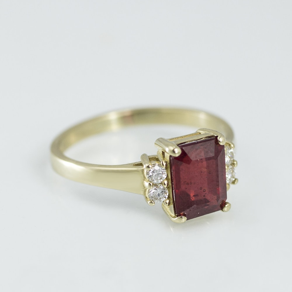 Klenota Gold Ruby Ring With Diamonds Ruby Rings