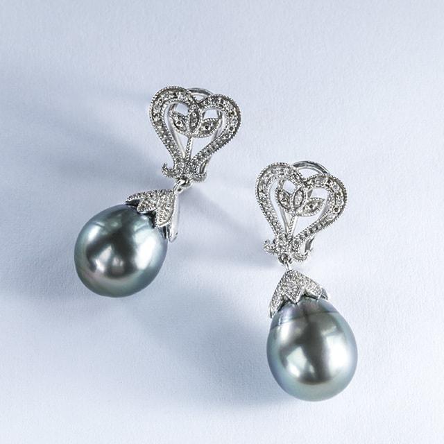 klenota ohrringe mit tahiti perlen und diamanten silber perlen ohrringe. Black Bedroom Furniture Sets. Home Design Ideas