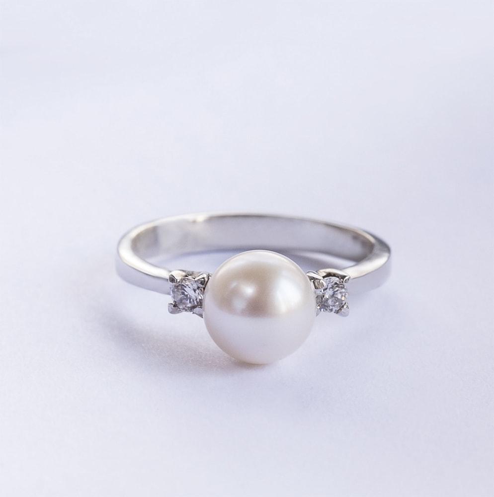 klenota silberring mit perle und zirkonia ringe silber. Black Bedroom Furniture Sets. Home Design Ideas
