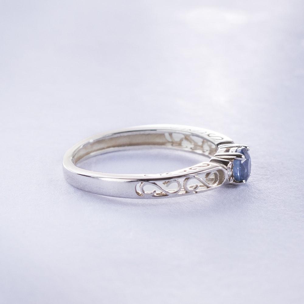 klenota ring mit blauem saphir und brillanten ringe saphir. Black Bedroom Furniture Sets. Home Design Ideas